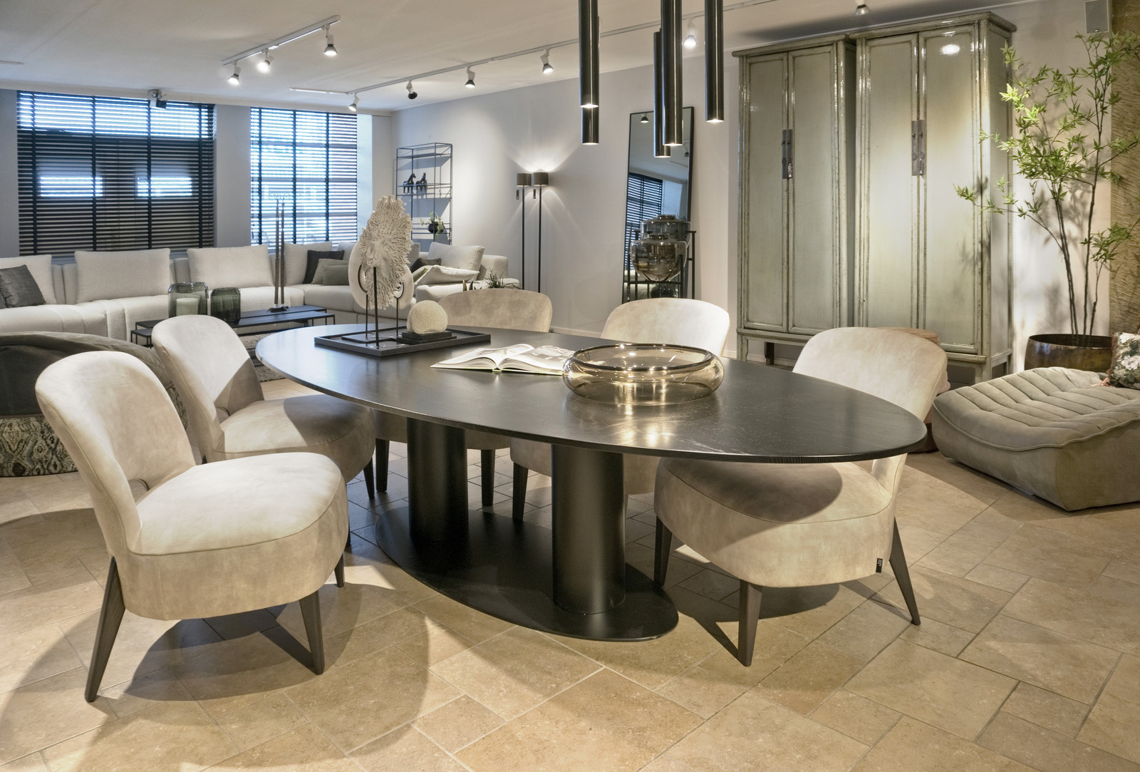 Buddha Dining Table Ellipse Tables Looiershuis