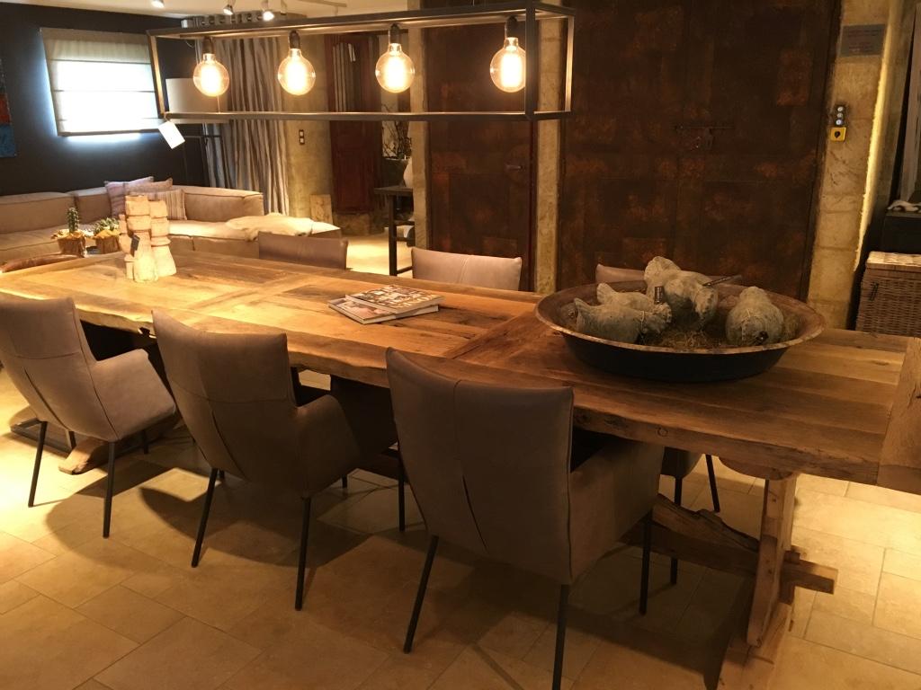 Eettafel dressoir salontafel binnenkijken bij rianne 28 in dronten wonen profijt meubel tv - Decoratie tafel eetkamer ...